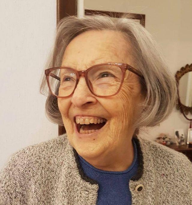 nonna Mariangela con gli occhiali nuovi